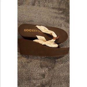 Rocket Dog Shoes - Natural dock crochet cotton platform flip flops